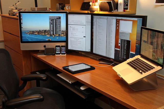macbook docked
