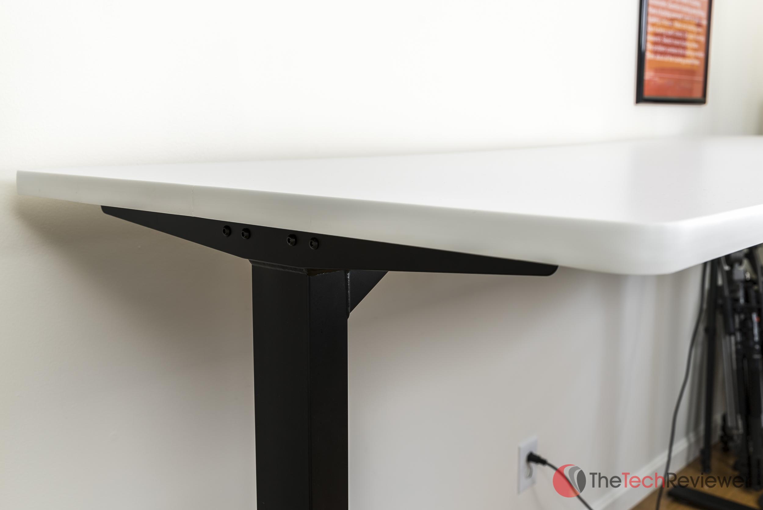 Uplift900-Desk (1 of 12)