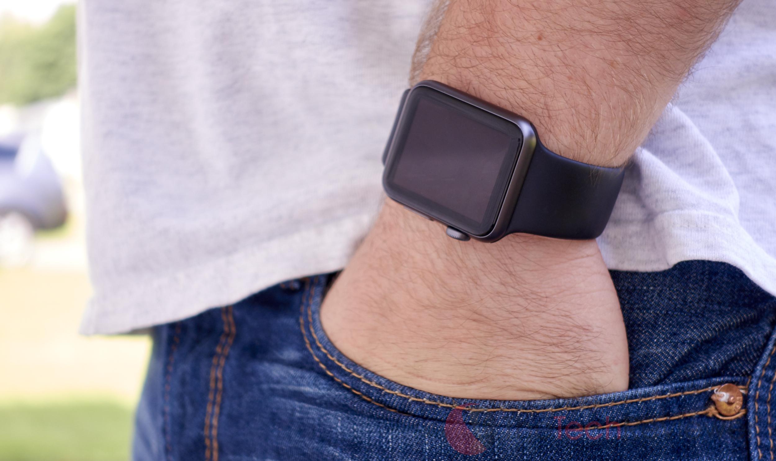 Apple Watch in Pocket 1 (1)