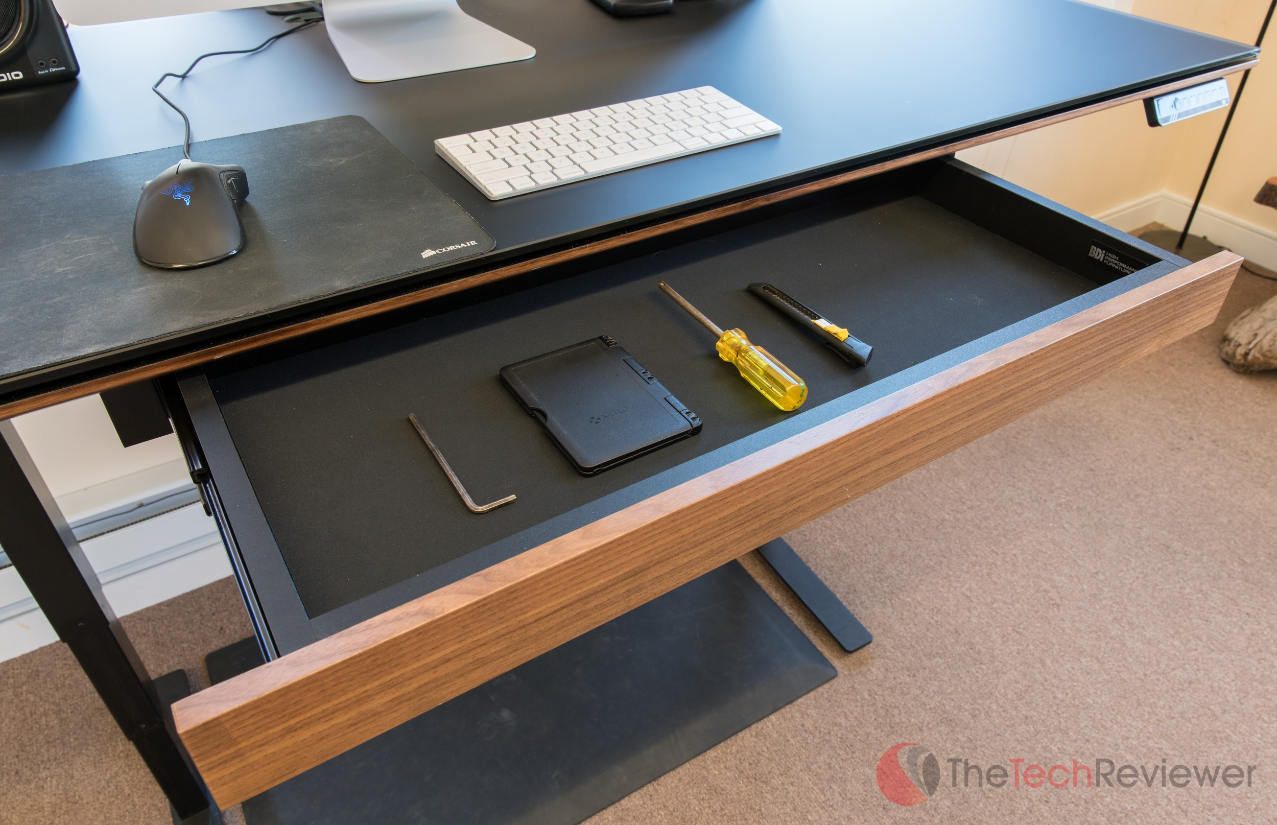 bdi-sequel-lift-sit-stand-desk-12