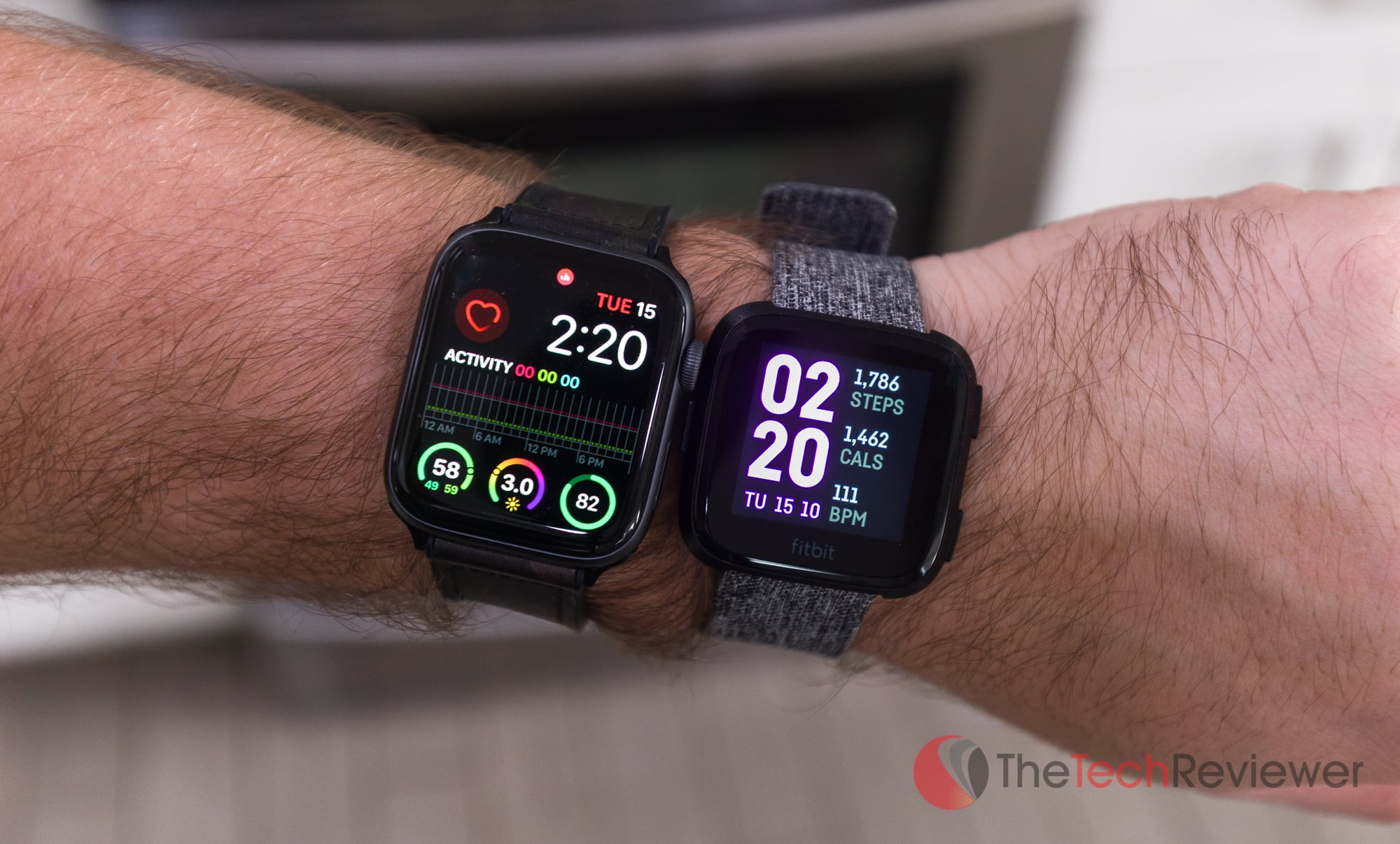 Apple Watch vs Versa Size