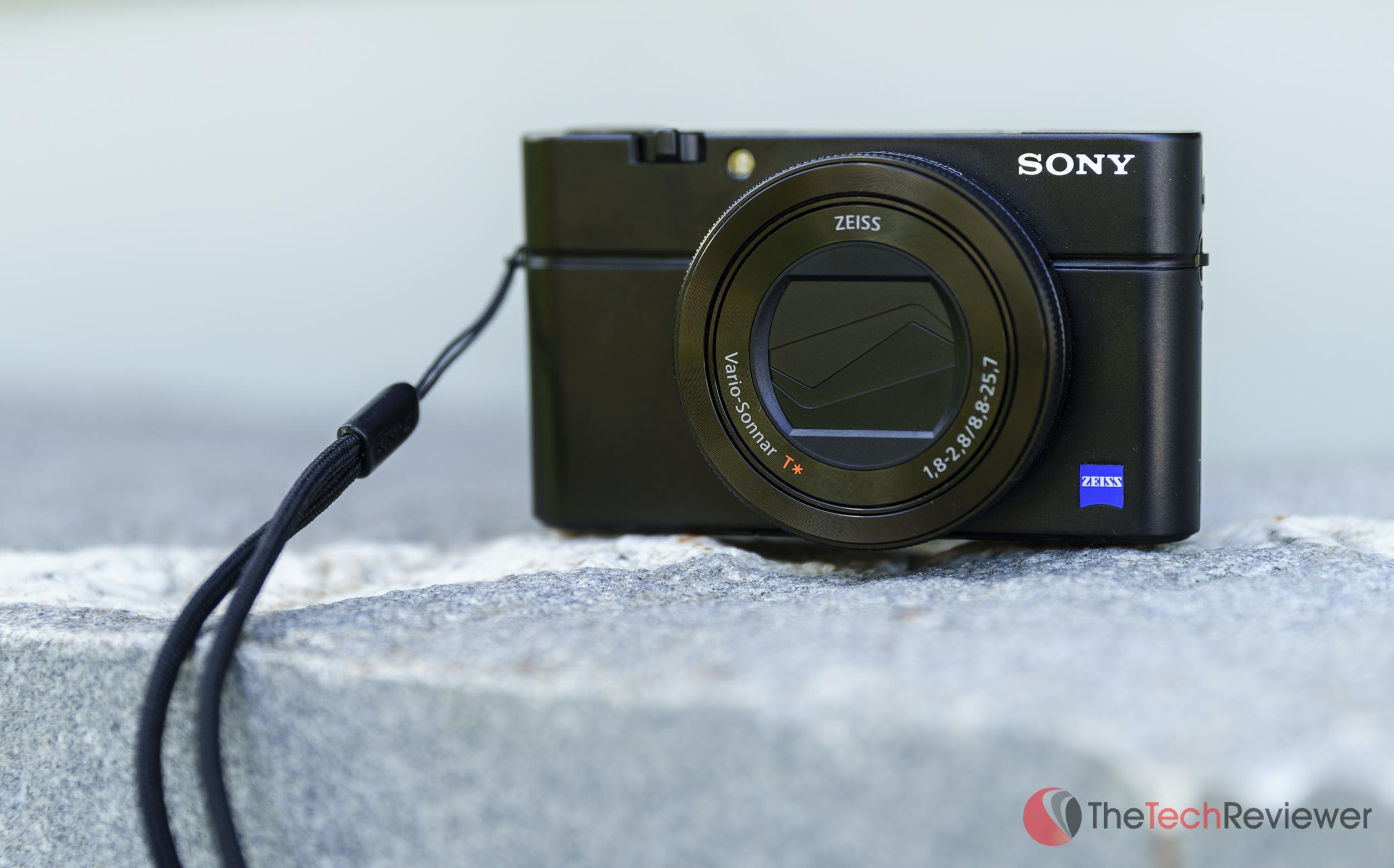 RX 100IV Product Shot 3