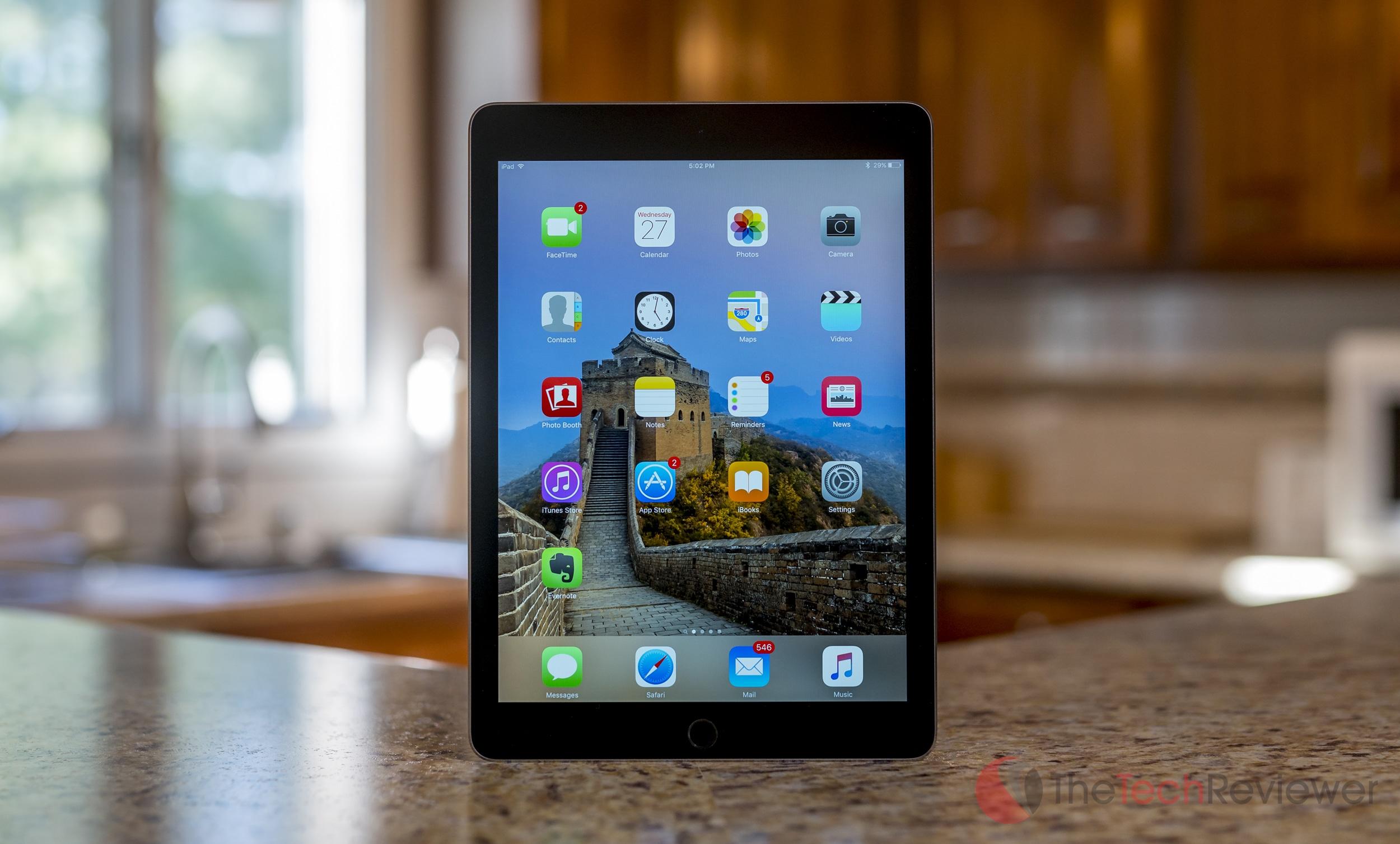 Apple iPad Pro 9.7 inch 1 2